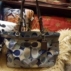 Pre loved Coach Signature Scarf Print Gallery Tote